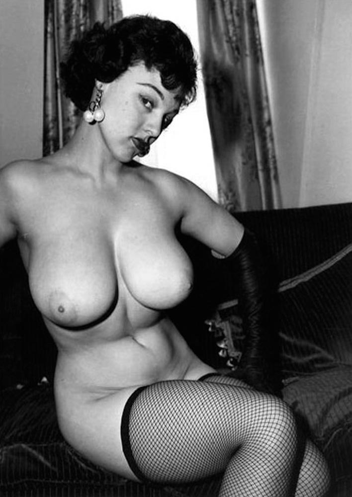 Nude women masturbation pictures